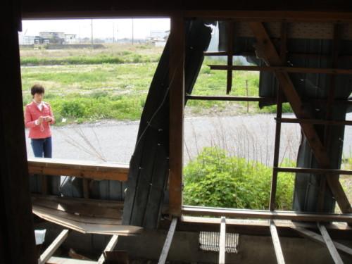 湊町倒壊した家屋