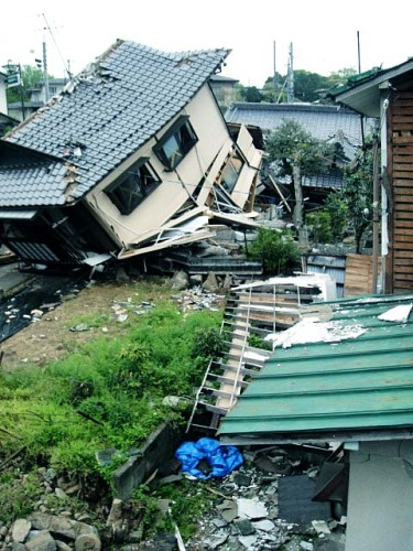 本震後,宮園 2016年4月18日。