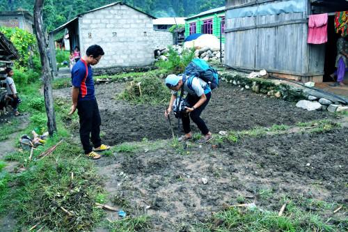 子ども達の施設建設用地を計測 2016年9月8日