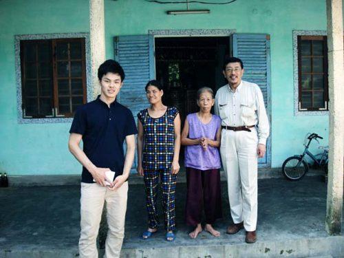 南ベトナム軍兵士を夫にもった未亡人と娘 2016年11月15日